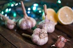 εύγευστες οργανικές μαγειρεύοντας προετοιμασίες σκόρδου στοκ εικόνες