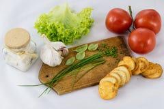 Εύγευστες φρέσκες λαχανικά και φρυγανιές άνοιξη για το πρόγευμα, μόριο στοκ φωτογραφίες με δικαίωμα ελεύθερης χρήσης