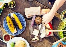 Εύγευστη έννοια γεύματος κόμματος επιτραπέζιου εορτασμού τροφίμων Στοκ εικόνες με δικαίωμα ελεύθερης χρήσης