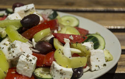 Εύγευστη ελληνική σαλάτα λαχανικών στοκ φωτογραφία με δικαίωμα ελεύθερης χρήσης