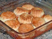 Εύγευστη πίτα υποδηματοποιών δαμάσκηνων και μήλων Στοκ φωτογραφίες με δικαίωμα ελεύθερης χρήσης