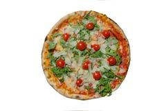Εύγευστη πίτσα στην απομονωμένη άσπρη φωτογραφία κινηματογραφήσεων σε πρώτο πλάνο υποβάθρου Στοκ φωτογραφία με δικαίωμα ελεύθερης χρήσης