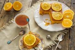 Εύγευστη σπιτική πορτοκαλιά πίτα στοκ φωτογραφία με δικαίωμα ελεύθερης χρήσης