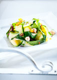 Εύγευστη υγιής φρέσκια θερινή σαλάτα Στοκ φωτογραφία με δικαίωμα ελεύθερης χρήσης