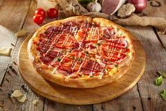 Εύγευστη φρέσκια πίτσα Στοκ Εικόνες