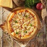 Εύγευστη φρέσκια πίτσα Στοκ εικόνα με δικαίωμα ελεύθερης χρήσης