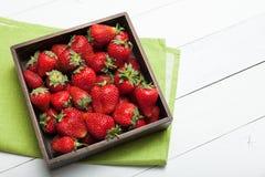 Εύγευστο επιδόρπιο φραουλών, φρέσκια διατροφή τροφίμων r στοκ φωτογραφία με δικαίωμα ελεύθερης χρήσης