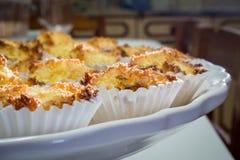 Εύγευστο πιάτο με τα μπισκότα καρύδων Στοκ Εικόνες