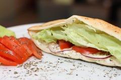 Εύγευστο σάντουιτς με τα ψάρια τόνου Στοκ φωτογραφία με δικαίωμα ελεύθερης χρήσης
