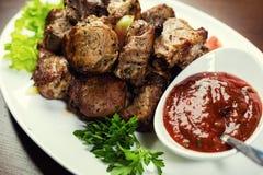 Εύγευστο ψημένο στη σχάρα κρέας χοιρινού κρέατος και kebabs, ψημένο κρέας, Shashlik Pi Στοκ Φωτογραφία