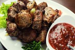 Εύγευστο ψημένο στη σχάρα κρέας χοιρινού κρέατος και kebabs, ψημένο κρέας, Shashlik Pi Στοκ φωτογραφίες με δικαίωμα ελεύθερης χρήσης