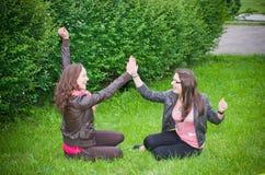 Εύθυμα κορίτσια teens Στοκ Εικόνες