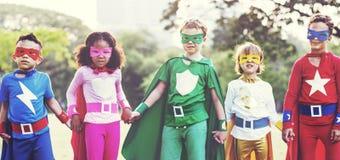 Εύθυμη έννοια διασκέδασης φαντασίας φιλοδοξίας παιδιών Superhero Στοκ φωτογραφίες με δικαίωμα ελεύθερης χρήσης