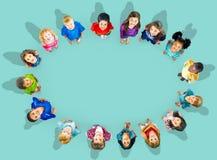 Εύθυμη έννοια ποικιλομορφίας παιδικής ηλικίας παιδιών παιδιών στοκ φωτογραφία με δικαίωμα ελεύθερης χρήσης