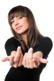 Εύθυμη τοποθέτηση brunette στο μαύρο φόρεμα στοκ φωτογραφία με δικαίωμα ελεύθερης χρήσης