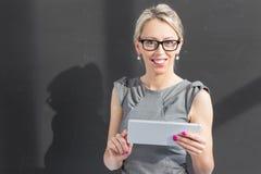 Εύθυμος νέος δάσκαλος Στοκ εικόνα με δικαίωμα ελεύθερης χρήσης