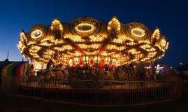 Εύθυμος πηγαίνετε γύρω από τη νύχτα Στοκ φωτογραφίες με δικαίωμα ελεύθερης χρήσης