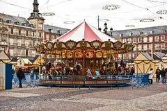 Εύθυμος-πηγαίνω-γύρω από Plaza de δήμαρχος στη Μαδρίτη Στοκ Εικόνες