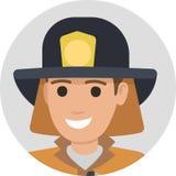Εύθυμος πυροσβέστης στο προστατευτικά κοστούμι και το μαύρο καπέλο ελεύθερη απεικόνιση δικαιώματος