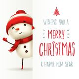 Εύθυμος χιονάνθρωπος με τη μεγάλη πινακίδα Σχέδιο εγγραφής καλλιγραφίας Χαρούμενα Χριστούγεννας διανυσματική απεικόνιση
