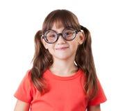 Εύθυμο κορίτσι με τα γυαλιά στοκ φωτογραφία