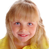 Εύθυμο κορίτσι ξανθό Στοκ φωτογραφία με δικαίωμα ελεύθερης χρήσης