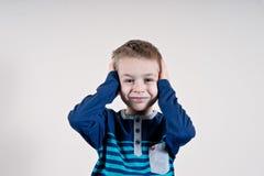Εύθυμο χαμογελώντας μικρό παιδί Στοκ φωτογραφία με δικαίωμα ελεύθερης χρήσης
