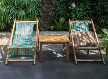 Εύκολες καρέκλες στον κήπο Στοκ Εικόνες
