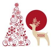 Ελάφια και γραφικό χριστουγεννιάτικο δέντρο Στοκ Φωτογραφίες