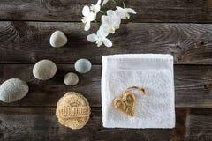 Ελάχιστη έννοια ομορφιάς για το σύμβολο του ξηρού υποβάθρου βουρτσίσματος Στοκ φωτογραφίες με δικαίωμα ελεύθερης χρήσης
