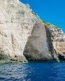 Ελλάδα, Ζάκυνθος, τον Αύγουστο του 2016 Βράχοι, σπηλιές και μπλε νερό Στοκ Εικόνα