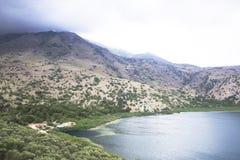 Ελλάδα, νησί της Κρήτης, λίμνη Kurnas Στοκ εικόνα με δικαίωμα ελεύθερης χρήσης