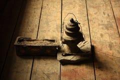 Ελαιούχος λαμπτήρας και θυμίαμα στο μοναστήρι, Νεπάλ Στοκ Εικόνα
