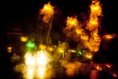 Ελαφριά ίχνη σε μια οδό πόλεων τη νύχτα Στοκ Φωτογραφίες
