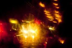 Ελαφριά ίχνη σε μια οδό πόλεων τη νύχτα Στοκ εικόνες με δικαίωμα ελεύθερης χρήσης
