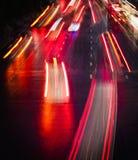 Ελαφριά ίχνη στην οδό πόλεων τη νύχτα Στοκ φωτογραφία με δικαίωμα ελεύθερης χρήσης