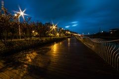 Ελαφριά ίχνη στο δρόμο πόλεων τη νύχτα Στοκ φωτογραφίες με δικαίωμα ελεύθερης χρήσης