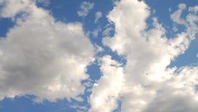 Ελαφριά αυξομειούμενα σύννεφα φιλμ μικρού μήκους