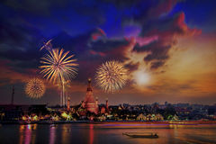 Ελαφριά νύχτα σε Wat Arun Ταϊλάνδη Στοκ Φωτογραφίες