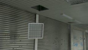 Ελαφριά συναρμολόγηση πεσμένος έξω στον αέρα τυφώνα απόθεμα βίντεο