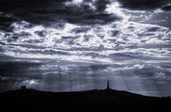 Ελαφριές ακτίνες από τα σύννεφα Στοκ εικόνα με δικαίωμα ελεύθερης χρήσης