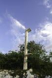 Ελαφρύς πύργος λιμένων με το υπόβαθρο μπλε ουρανού Στοκ φωτογραφία με δικαίωμα ελεύθερης χρήσης