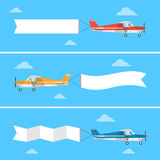 Ελαφρύ αεροπλάνο που τραβά ένα έμβλημα σε ένα επίπεδο ύφος διανυσματική απεικόνιση