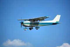 Ελαφρύ αεροπλάνο σε τελικό Στοκ φωτογραφίες με δικαίωμα ελεύθερης χρήσης