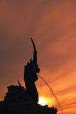 Ελαφρύ χρυσό άγαλμα Nagas ηλιοβασιλέματος Στοκ Φωτογραφίες