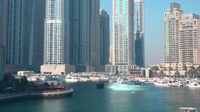 Ελαφρύ 4k χρονικό σφάλμα ημέρας από τη μαρίνα του Ντουμπάι απόθεμα βίντεο