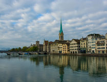 Ελβετικές ιστορίες Ζυρίχη, Zwitzerland στοκ φωτογραφίες