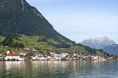 Ελβετικές τοπίο και λίμνη Λουκέρνη ορών Στοκ εικόνα με δικαίωμα ελεύθερης χρήσης