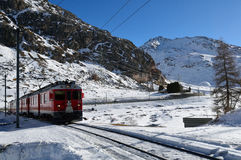 Ελβετικός σιδηρόδρομος βουνών Στοκ Φωτογραφίες