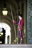 Ελβετικός φύλακας στη πόλη του Βατικανού στοκ φωτογραφία με δικαίωμα ελεύθερης χρήσης